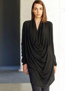 Длинное черное платье туника
