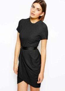 Красивое черное офисное платье тюльпан