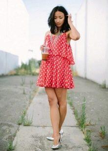 Короткое крвсное платье в белый горошек
