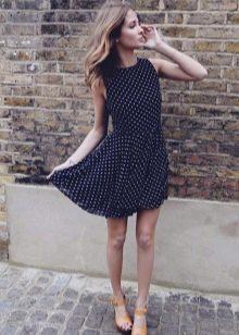Повседневное платье в мелкий горошек