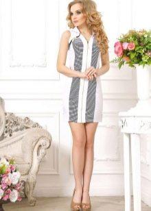 Белое платье с полосами в морском стиле