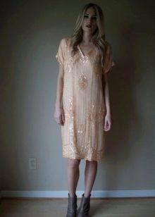 персиковое платье в стиле чикаго
