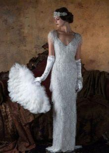 Платье в стиле ретро с жемчугом