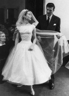 свадебное платье Одри Хепберн в стиле нью лук