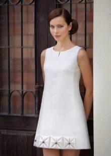 Короткое свадебное платье-трапеция  в стиле Одри Хепберн