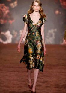 Платье футляр в стиле стиляг цветастое