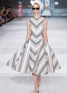 Платье в полоску в стиле стиляг