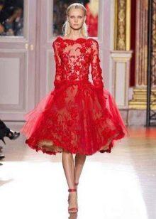Красное куржевное платье с длинным рукавом