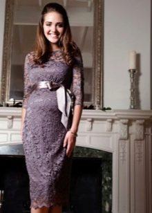 Платье из кружева с завышенной талией для беременных