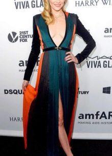 Цветное длинное платье с завышенной талией