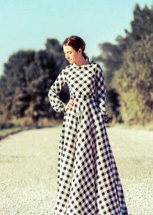 Длинное платье в клетку виши