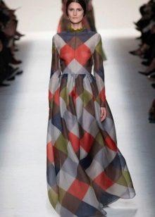 Длинное платье в мадрасскую клетку