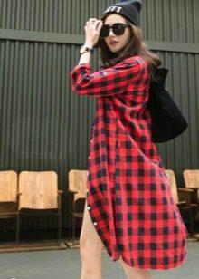 Платье-рубашка в красную клетку
