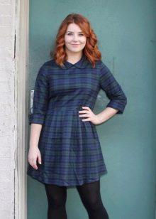 Платье всинюю шотландскую клетку для полных девушек