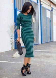 Зелено черное полосатое платье