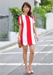 Красно белое полосатое платье
