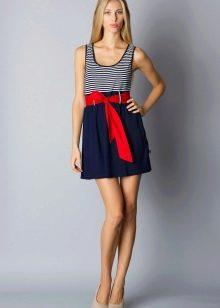 Полосатое платье в морском стиле