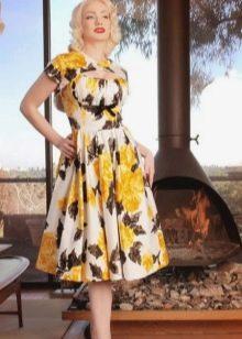 Цветное платье с принтом в стиле 50-х