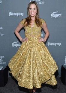 Золотое платье в стиле барокко