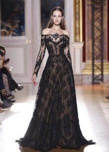 Кружевное платье в стиле барокко