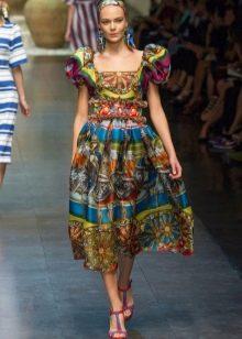 платье в стиле барокко цветное