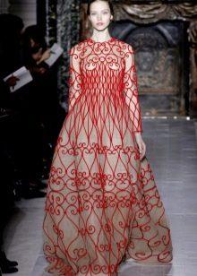 платье с красным декором