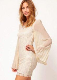 Платье с плиссированными рукавами