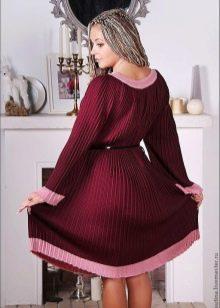 Теплое плиссированное платье из шерсти
