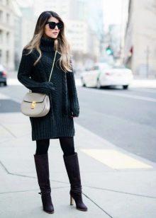 Черное повседневное платье свитер