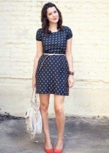 Синее повседневное короткое платье с белым мелким рисунком
