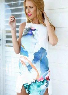 Красивое повседневное платье с принтом