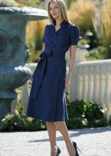 Синее повседневное платье с запахом