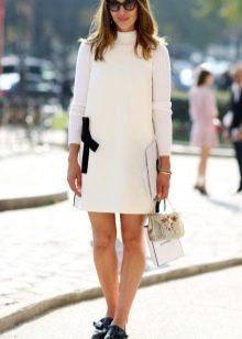 Белое повседневное прямое платье