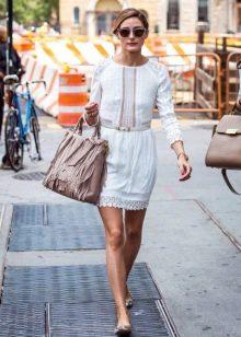 Белое повседневное платье в русском стиле