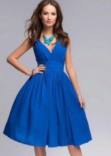 Синее платье-клеш от талии