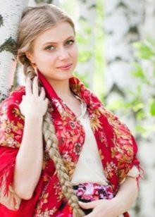 Русский сарафан, русский платок, девушка с косой