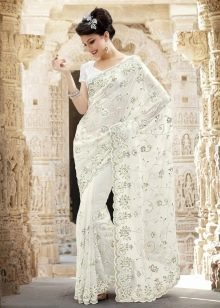 Потрясающе красивое белое сари