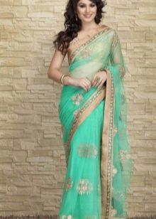 Зеленое индийское сари
