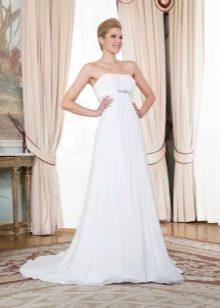 Свадебное платье с завышенной талией с открытым декольте