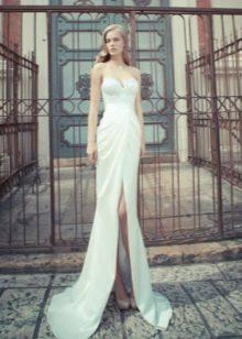Свадебное платье с завышенной талией и разрезом