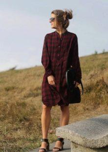 Красно-черное платье-рубашка тартан