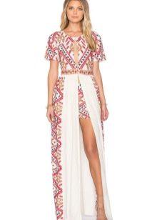 Платье с этническим принтом и разрезом