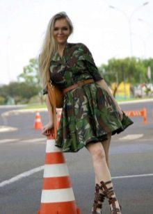 Платье с камуфляжным принтом