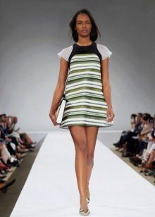 Трикотажное платье в полоску короткое