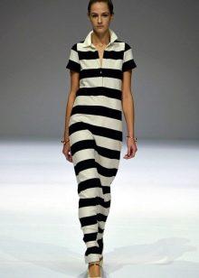 Трикотажное платье в полоску в пол