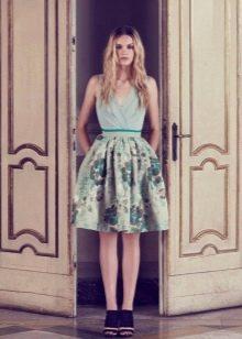 Трикотажное платье с цветочным принтом с пышной юбкой