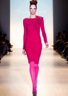 Цветные колготы под трикотажное платье