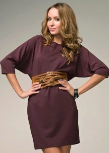 Трикотажное платье летучая мышькоричневое