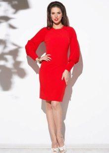 Платье трикотажное с длинным рукавом короткое
