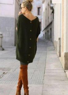 Зеленое платье-свитер